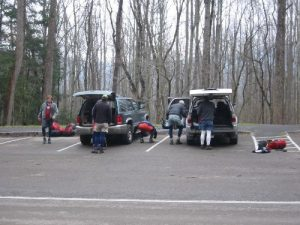 <b>Husky Gap Parking Area</b><br> Unloading gear at the trailhead at Husky Gap.